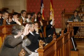 El PP vota con la izquierda la reforma que acaba con el modelo territorial de UM