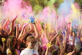 El Ajuntament de Palma apoyará a los enfermos de Huntington celebrando una fiesta benéfica Holi