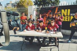 Los dos jóvenes acusados de quemar fotos del Rey en Palma no acuden a declarar
