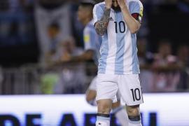Messi, cuatro partidos de sanción por injuriar a un árbitro asistente
