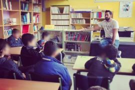 El Grup de Suport Llibertat Valtònyc afirma que los alumnos invitaron al rapero