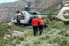 Herido un bombero en el rescate de una excursionista en Cala Bóquer