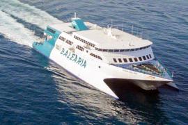 Baleària reforzará en Semana Santa sus conexiones entre Dènia e Ibiza con un servicio de alta velocidad