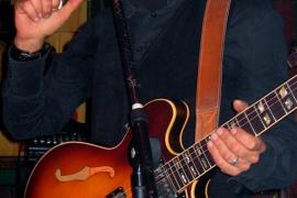 Sa Posada de Bellver acoge el folk, funk y pop de Hugo Sócrate y Maria Vermella