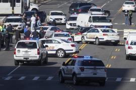 Detenida una mujer por intentar atropellar a varios policías en Washington