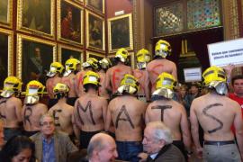 Protesta de funcionarios del Ayuntamiento de Palma durante el pleno