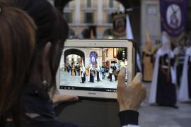 La procesión de los Estendards abre la Semana Santa 2017 en Palma
