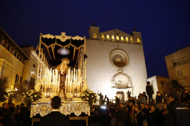 El Sant Enterrament cierra los actos de la Semana Santa 2017 en Palma