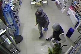 Detenidos los autores de un atraco con un cuchillo a una farmacia en Palma