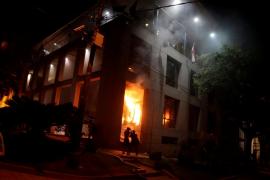 Tensión en Paraguay después de que incendiaran el Congreso y un opositor muriera tiroteado