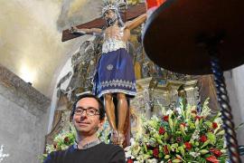 «Con las obras este año los ensayos para llevar la imagen del Santísimo Cristo del Cementerio han sido todo un acto de fe»