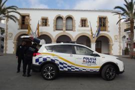 Detenido un hombre por conducir ebrio y con un bebé en brazos en Ibiza