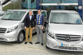 Autovidal entregó tres nuevas Vito a Viravanti