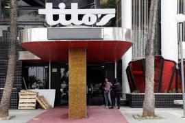 PALMA. DISCOTECAS. Cort clausura la discoteca Tito's por deficiencias en las medidas de seguridad.