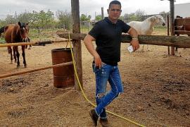 «¿Cómo voy a maltratar a los caballos si ellos son mi herramienta de trabajo?»