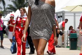 Raquel del Rosario no cambiaría a Alonso por ninguno, ni siquiera por Clooney
