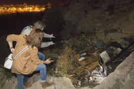 Cinco menores detenidos tras el incendio en una cueva donde murieron tres jóvenes en Almería
