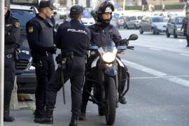 Una niña de cuatro años impide en Palma que su madre le clavara un cuchillo a su padre