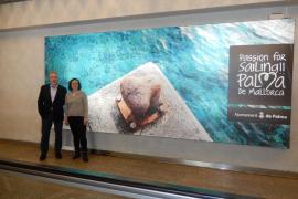 La Fundació Turisme renueva la imagen turística de Palma en el aeropuerto