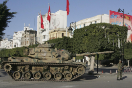 Duros enfrentamientos armados en Túnez entre el Ejército y seguidores de Ben Alí