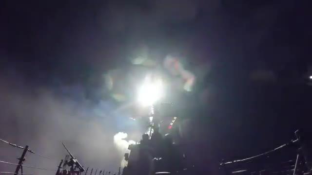 EEUU bombardea Siria tras el ataque químico