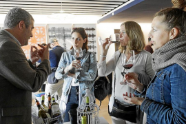 Punto de encuentro en Ibiza entre bodegas y profesionales del sector