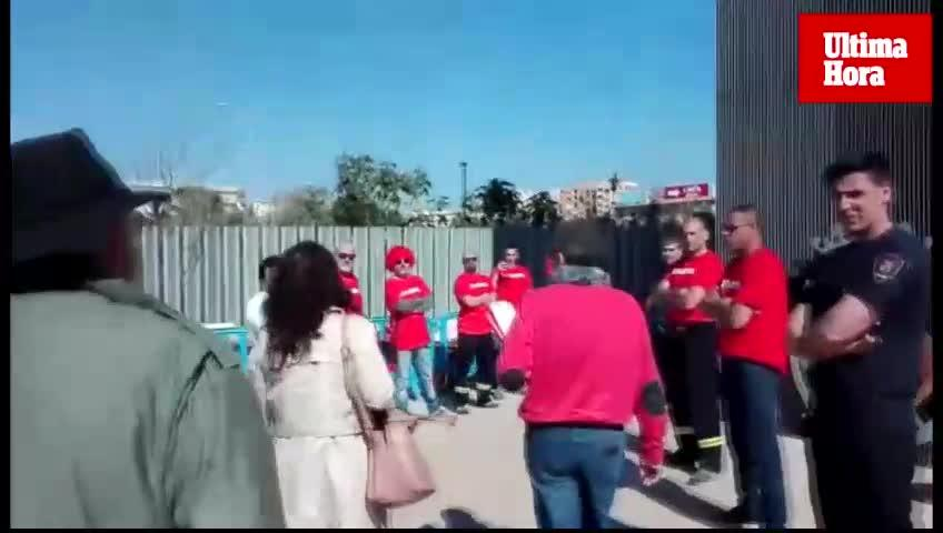 Los bomberos rechazan el comentario sexista contra Pastor y niegan que el 'pasillo' fuera «intimidatorio o machista»