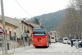 Valldemossa aprobará que los autocares turísticos también paguen la zona ORA