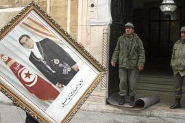 El nuevo Gobierno de Túnez mantiene en los puestos clave a ministros de Ben Ali