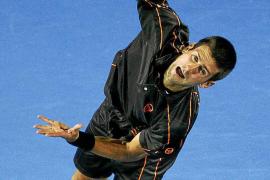 Federer acelera en la despedida de Davydenko