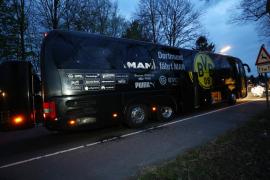 Una bomba explota junto al autobús del Borussia y Marc Bartra resulta herido