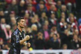 Ronaldo lidera con un doblete el golpe de autoridad del Real Madrid en el Allianz Arena