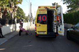 Rescatan a una anciana de una vivienda en llamas en Palmanyola