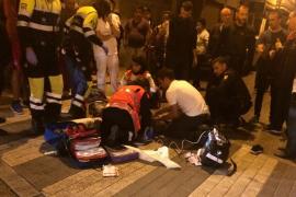 Un policía y dos militares fuera de servicio salvan la vida de un hombre que cayó desplomado en Palma