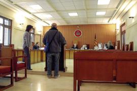Juzgado un hombre por prender fuego a un indigente en una caseta de Magaluf