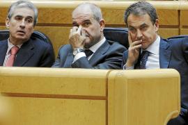 Zapatero avala el plurilingüismo en el Senado: «Son lenguas españolas»