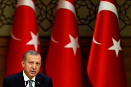 Erdogan se impone a los laicos en el referendum presidencial