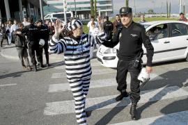 Retenciones esporádicas en la segunda jornada de protesta en Son Espases