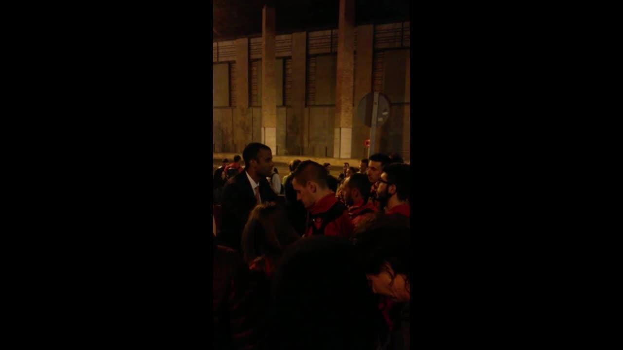Los aficionados recriminan a Molango la derrota en La Romareda