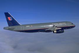 United Airlines saca del avión a una pareja que viajaba a su boda en Costa Rica
