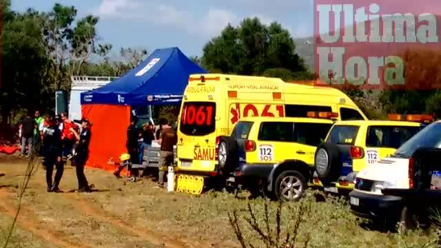 Prosigue la búsqueda del buceador desaparecido en Cala Romántica con una máquina perforadora
