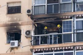 Un fallecido en el incendio de un bloque de pisos en Málaga