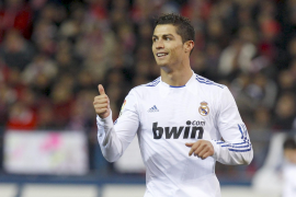 Cristiano impulsa al Real Madrid a semifinales en un derbi cómodo