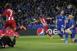 Saúl catapulta al Atlético, otra vez entre los cuatro mejores