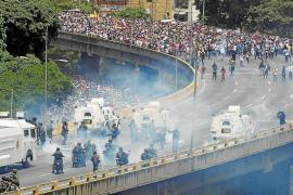 Dos muertos por los disturbios en las manifestaciones opositoras en Venezuela