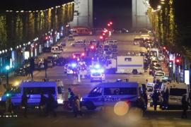 El Estado Islámico asume la autoría del ataque en los Campos Elíseos de París