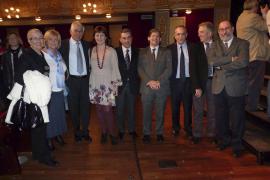 El Govern reconoce la labor de los profesionales de Son Dureta en su 55 aniversario