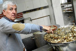 Es Cruce: 5.000 kilos de caracoles por Sant Marc