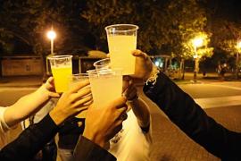 Una adolescente que pese unos 50 kg puede fallecer si ingiere media botella de vodka en 1 hora