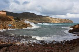 Mallorca, en riesgo por fuerte oleaje
